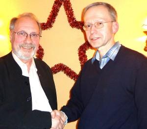 Der alte und der neue Präsident des SC Prinz Eugen: Bertram Hacker (li) wurde zum Ehrenpräsi-denten ernannt. Peter Reischmann, der neue SCPE-Chef, trat ein Erbe mit großen Problemen an.     Foto: Privat