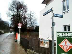 Die ersten Maßnahmen des Verkehrskonzepts rund um das künftige Stadtquartier Prinz-Eugen-Park sind umgesetzt: An der Cosimastraße sind die Einfahrten zur Wahnfriedallee und zur Wesendonkstraße gesperrt worden, nur Anlieger dürfen passieren.