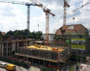 Die Konturen des künftigen Wohnensembles Lagot an der Ismaninger Straße zeichnen sich allmählich ab.   Foto: Bayerische Hausbau