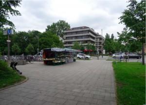 Am Böhmerwaldplatz, beim U-Bahn-Zugang an der Ecke Richard-Strauss-/Mühlbaurstraße, wird eine der acht Bogenhauser MVG Rad-Stationen eingerichtet.
