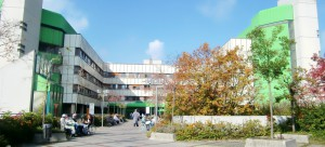 Das Klinikum Bogenhausen an der Englschalkinger Straße: Die Mitglieder des Bezirksausschusses wollen von der Stadt wissen, ob es dort Pflege- und Technikmängel wie angeblich im Krankenhaus Harlaching,