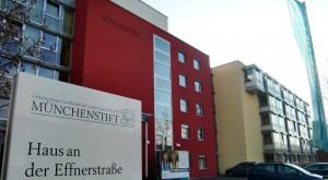 Einen größeren Andachtsraum im Seniorenhaus an der Effnerstraße der städtischen Gesellschaft MünchenStift haben die Mitglieder des Bezirksausschusses gefordert. Der Vorstoß wurde aber ab-gelehnt, die Anlehnung von den Lokalpolitikern kommentarlos hingenommen.