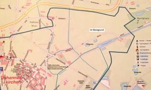 Das Gebiet Im Moosgrund, wo eine Erwerbsgärtnerei gebaut wird, ist eingerahmt vom Bogenhauser Stadtteil Johanneskirchen, von den Gemeinden Unterföhring und Aschheim mit dem Ortsteil Dornach.