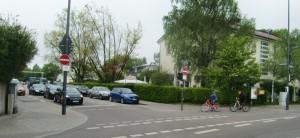 Die Einfahrt in die Lohengrinstraße von der Cosimastraße bleibt gesperrt. Ein Anlieger hatte in der Bürgerversammlung die Öffnung in beide Richtungen beantragt.
