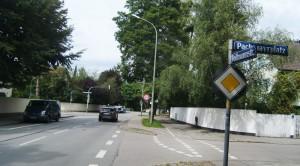 Die Prüfung einer Tempo-30-Begrenzung, alternativ einer Tempo-30-Zone, in der Vollmannstraße zwischen dem Pachmayrplatz und der Englschalkinger Straße hatte die SPD-Fraktion im Bezirksausschuss beantragt. Da die gesetzlichen Vorgaben (noch) nicht eindeutig sind, vertagte das Stadtteilgremium die Initiative.   Foto: hgb
