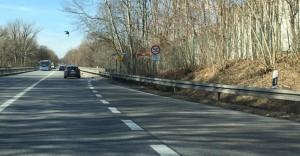 Das Nadelöhr im Verlauf des Föhringer Rings: Die marode Herzog-Heinrich-Brücke, im Bild mit der Einfahrt aus Unterföhring.    Foto: hgb