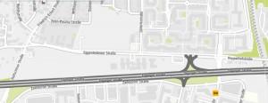 Auf dem Areal zwischen Eggenfeldener-, Hultschiner- und Töginger Straße, der Passauer Autobahn, plant die Stadt mit einem Wettbewerb ein Quartier mit 380 Wohnungen.     Karte: Stadt München/Kartendaten: OpenStreetMap