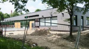 Das sanierte Cosimawellenbad wird Ende Juli wiedereröffnet. Die Außenarbeiten dürften aber wohl noch einige Monate dauern.   Foto: hgb