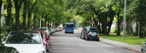 """Eine eigene Spur für Busse in der Denninger- ab Newton- bis zur Richard-Strauss-Straße? Dieses """"Denkmodell"""" der Münchner Verkehrsgesellschaft (MVG) lehnte der Bezirksausschuss entschieden ab.     Foto: hgb"""