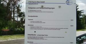 Der P & R-Platz beim S-Bahnhof Daglfing: Die Parkgebühr pro Tag beträgt einen Euro.   Foto: hgb
