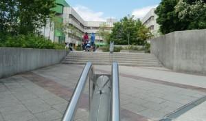 Der Eingangsbereich des Klinikums Bogenhausen.   Foto: hgb
